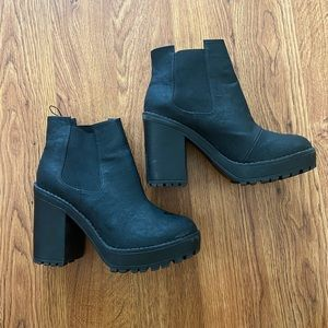 Black boot/wedges size 7